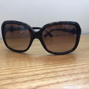 CHANEL Tortoiseshell Bow Sunglasses